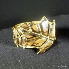 025 Brass Leaf